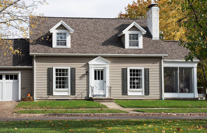 Vinyl Siding Has Become More Por Across The United States For A Number Of Reasons There Are Many Benefits To Opting That You May Want